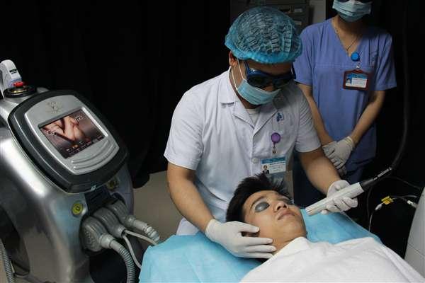 Điều trị mụn bằng công nghệ Acthyderm